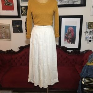 Dresses & Skirts - Vintage alexon long pleated cream color skirt m